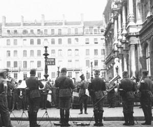 Place de la Bourse - 1940 (fond CHRD)
