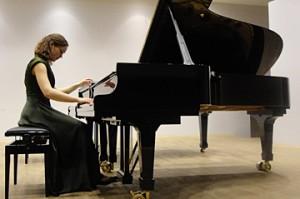 Anna Strapcane, piano