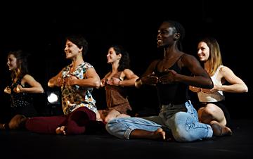 Jeune ballet - D'elles, chorég. Alexandra Blondeau © Sarah Lowicki
