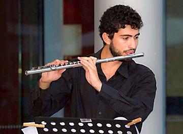 Adrian Saint Pol, flûte