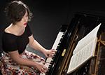 Claire Laplace, piano